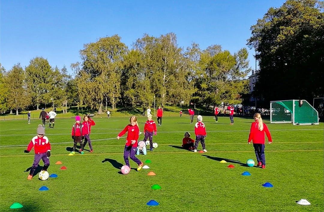 HIFK Fotboll Tytöt etsii lisää pelaajia joukkoonsa