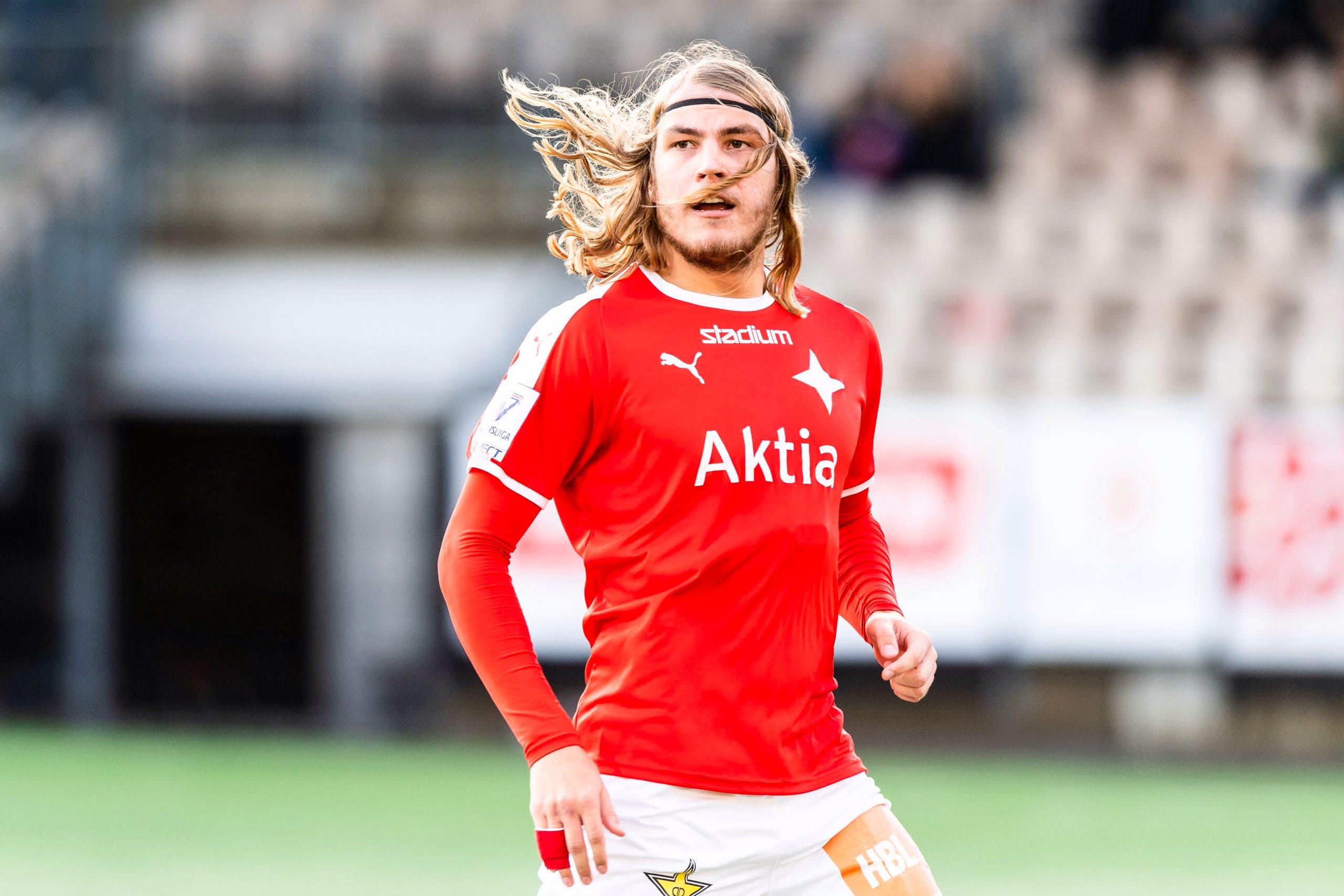 Tuukka Andberg jatkaa HIFK:n puolustuksessa